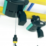 Electronic chain hoist